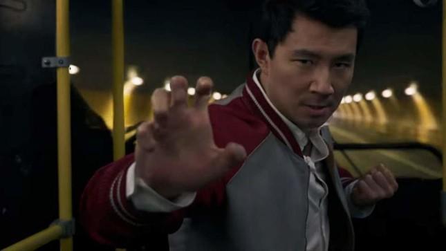 """Dẫu teaser gây bão, """"Shang-Chi"""" vẫn bị chê trách là rập khuôn """"hình mẫu châu Á""""? ảnh 1"""