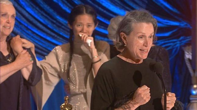 Oscar 2021: Chủ nhân của 3 tượng vàng quan trọng nhất lễ trao giải, họ là ai? ảnh 4