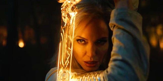 Vũ trụ điện ảnh Marvel giai đoạn 4: Angelina Jolie đẹp hút hồn, có nhiều Captain Marvel? ảnh 2