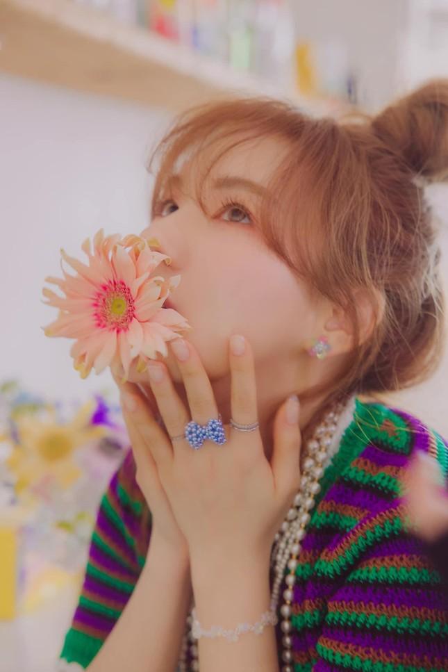 Wendy (Red Velvet) tung bộ ảnh đẹp như nàng thơ, sẵn sàng cho màn đối đầu vào tháng 4 ảnh 1