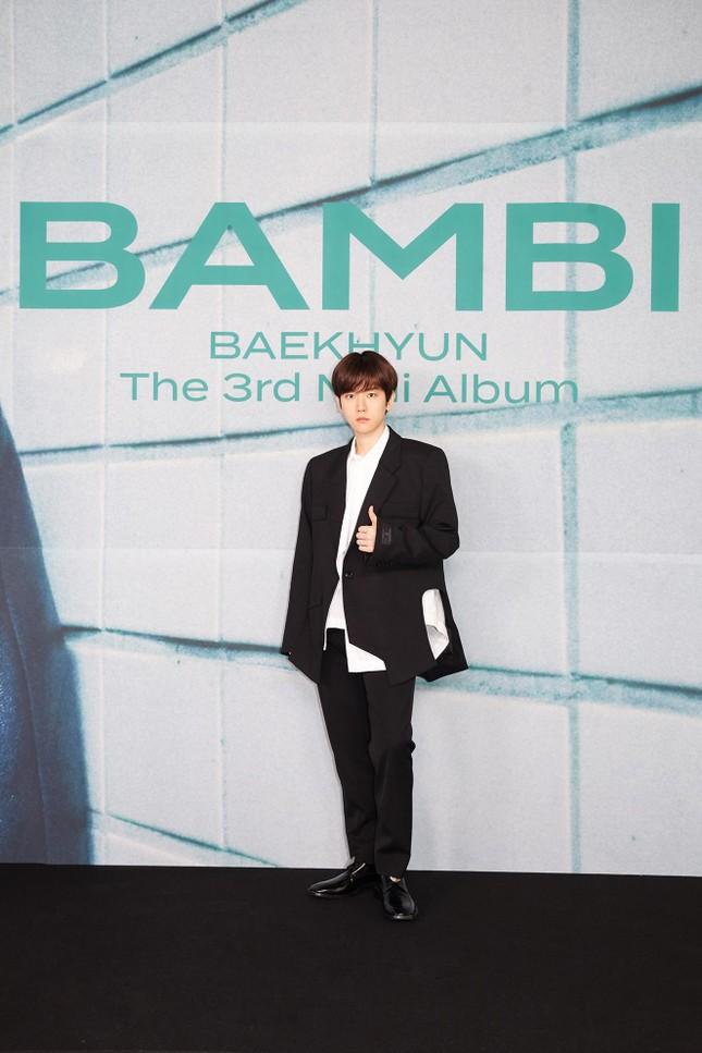 """Baekhyun """"bùng nổ"""" với gần 1 triệu bản đặt trước cho mini album solo thứ 3 """"Bambi"""" ảnh 3"""