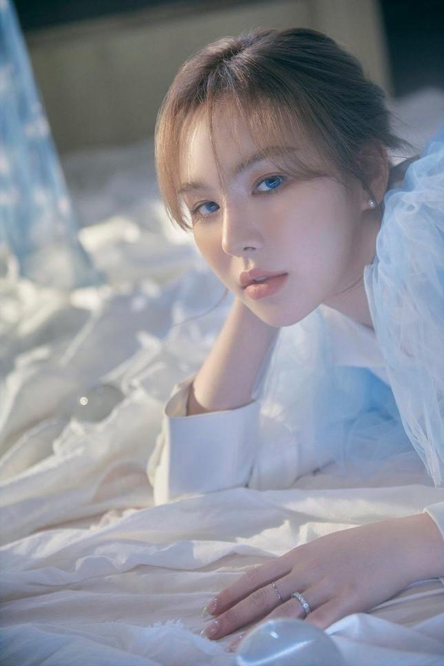 """Wendy phát hành album solo đầu tay, lời bài hát chủ đề """"Like Water"""" đẹp như một áng thơ ảnh 5"""