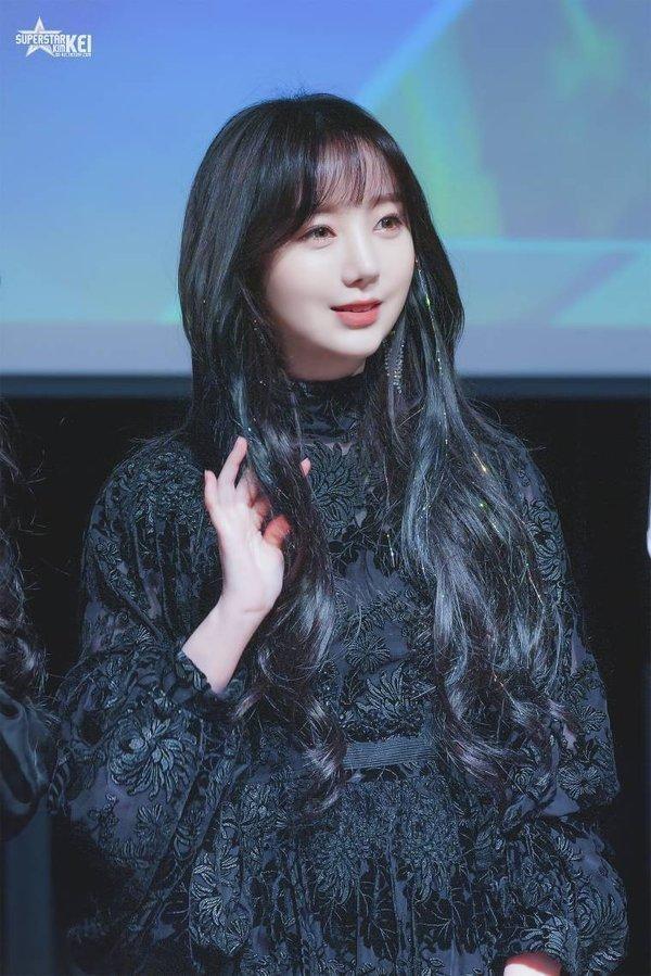 Đụng dao kéo để xinh đẹp hơn nhưng đâu có ngờ những nữ idol này lại mất phong độ nhan sắc ảnh 9