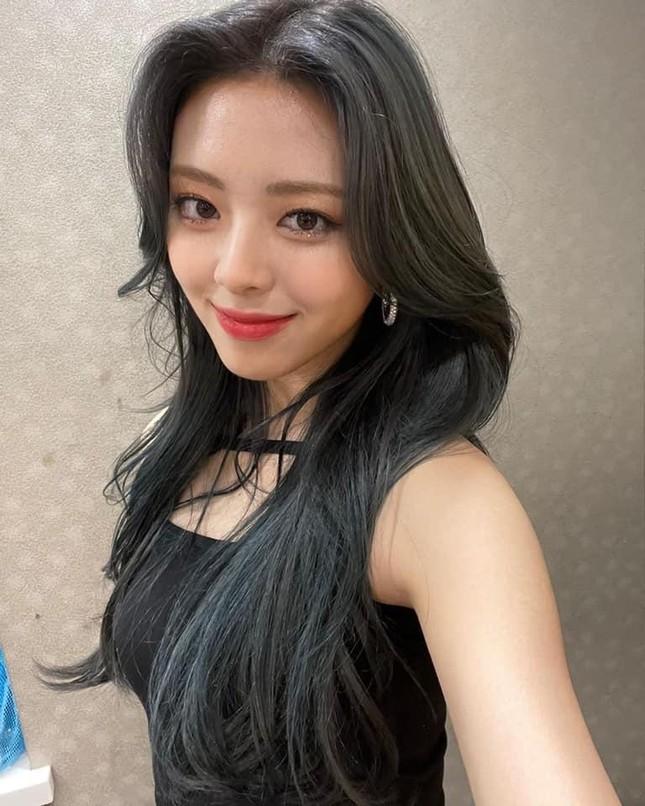 """Yuna chuẩn cô gái """"có thù với tóc mái"""": Nhan sắc trước và sau để mái chênh lệch khó tin ảnh 5"""