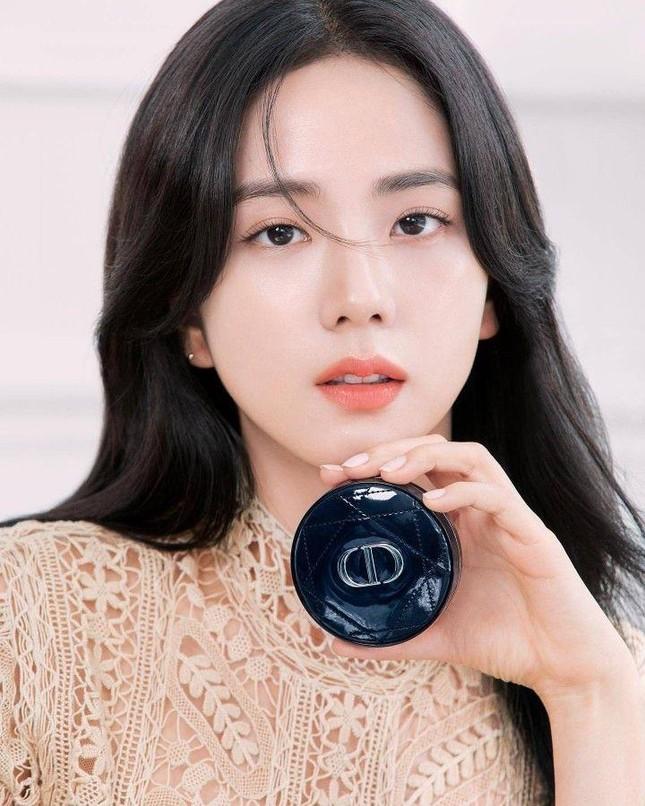 """Nữ hoàng sắc đẹp K-Pop 2021: BLACKPINK không đối thủ, Jisoo xứng danh """"idol Hoa hậu"""" ảnh 2"""