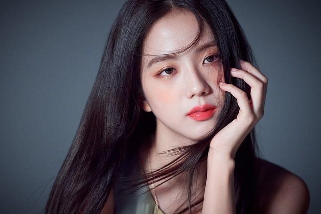 """Tranh cãi quanh """"bộ ba nữ thần K-Pop thế hệ 3"""": BLACKPINK khiến netizen rơi vào thế bí ảnh 6"""
