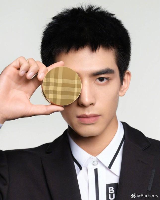 Tống Uy Long - Phần thưởng sẽ dành cho người luôn ngoan cường tiến về phía trước ảnh 3