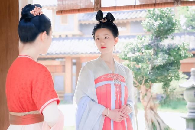 """Đóng vai công chúa nhưng vì sao Triệu Lộ Tư lại giản dị quá mức trong """"Trường Ca Hành""""? ảnh 4"""