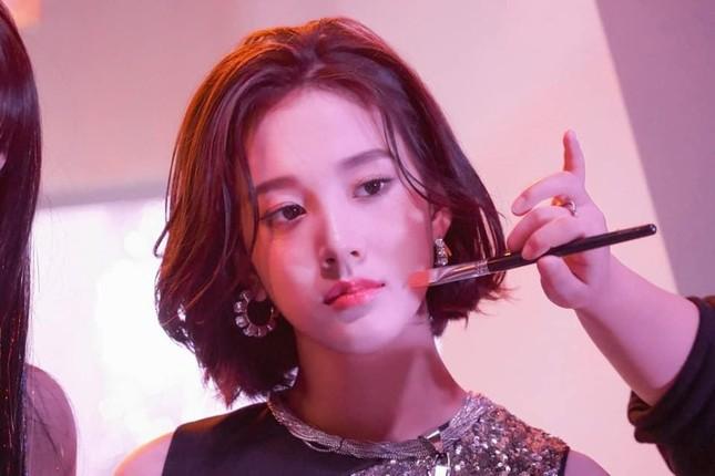 J (STAYC) bị săm soi bàn tán vì làm được điều nhiều nữ idol đình đám khác chưa thể ảnh 4
