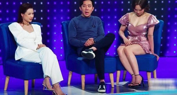 Nhìn dàn sao nữ bối rối vì váy ngắn hoặc xẻ cao mới thấy Hoa hậu Đỗ Thị Hà xử lý cực khéo ảnh 7