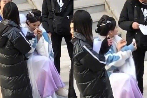 """""""Mỹ nữ đẹp nhất Trung Quốc"""" khiến khán giả ngán ngẩm khi lộ hành động ở bẩn đến khó tin ảnh 3"""