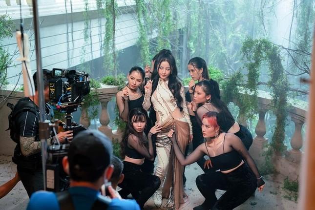 Chi Pu đúng là diễn viên bí ẩn nhất phim Việt: Sát ngày công chiếu mới biết cô đóng vai gì ảnh 2