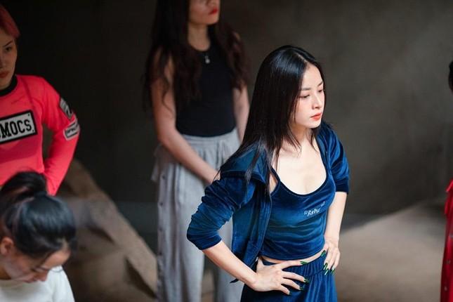 Chi Pu đúng là diễn viên bí ẩn nhất phim Việt: Sát ngày công chiếu mới biết cô đóng vai gì ảnh 3