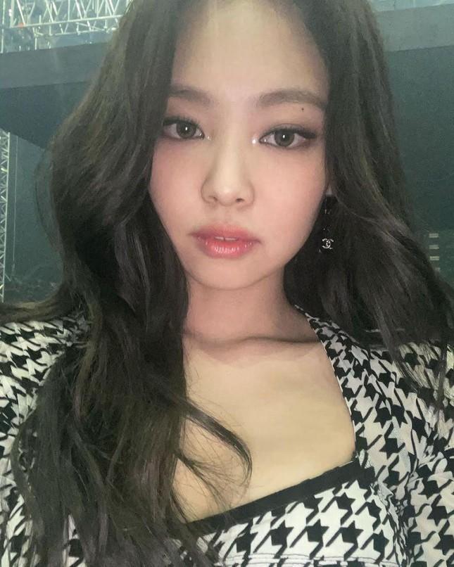 Không phải idol đẹp nhất K-Pop nhưng vì sao Jennie là hình mẫu lý tưởng của nhiều cô gái? ảnh 3