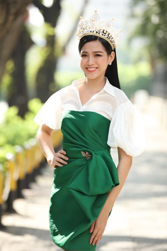 Bất ngờ với phản ứng của netizen khi Hoa hậu Đỗ Thị Hà khoe thần thái sang chảnh ảnh 3