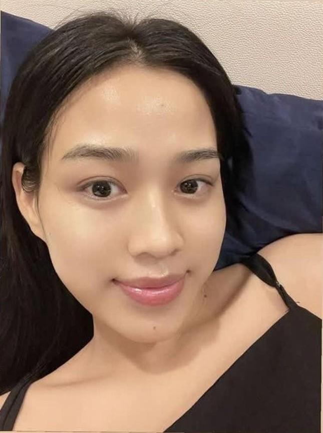 Bất ngờ với phản ứng của netizen khi Hoa hậu Đỗ Thị Hà khoe thần thái sang chảnh ảnh 6