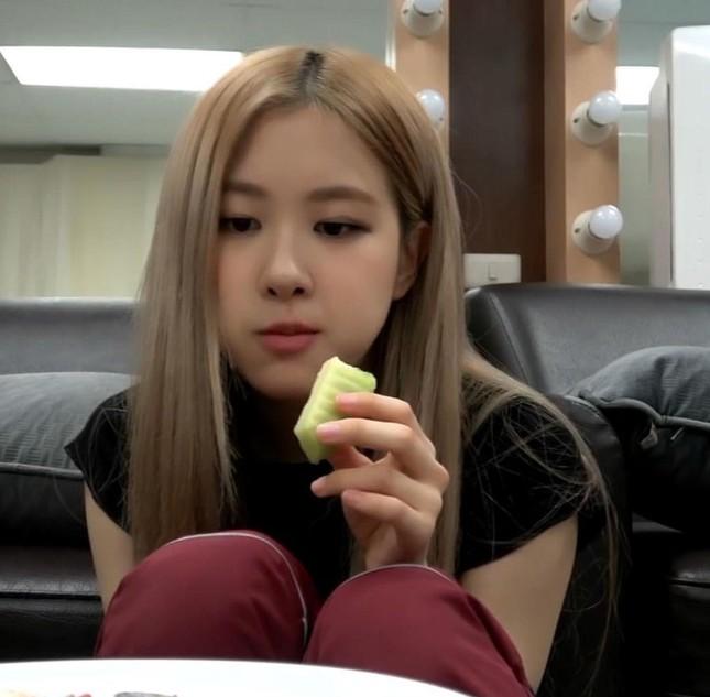 """Thích ăn rau củ là thế nhưng vì sao Rosé (BLACKPINK) """"không đội trời chung"""" với quả bơ? ảnh 1"""