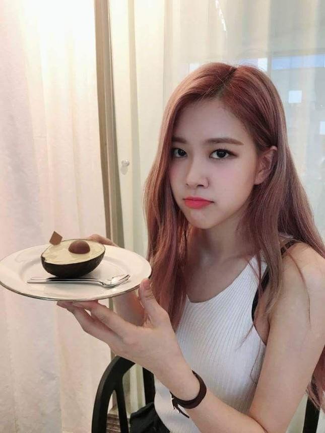 """Thích ăn rau củ là thế nhưng vì sao Rosé (BLACKPINK) """"không đội trời chung"""" với quả bơ? ảnh 2"""