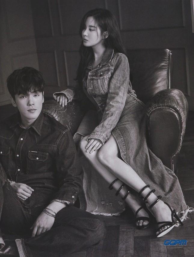 Soi lại bộ ảnh chụp chung của Kim Jung Hyun và Seohyun: Cặp đôi kỳ lạ nhất phim Hàn? ảnh 3