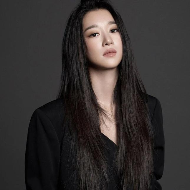 Chỉ hành động này của Seo Ye Ji đã chứng tỏ scandal nghiêm trọng thế nào đến sự nghiệp ảnh 2