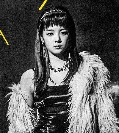 """Sau Yuna, đến lượt Lia bị stylist của ITZY ếm """"lời nguyền tóc mái"""" khiến nhan sắc tụt dốc ảnh 4"""