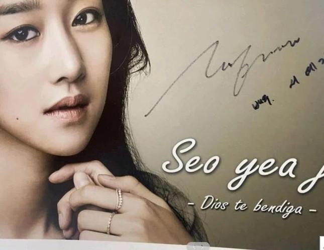 """Seo Ye Ji chìm sâu trong bê bối: Từ bạn học cũ đến nhân viên đoàn phim đua nhau """"bóc phốt"""" ảnh 4"""