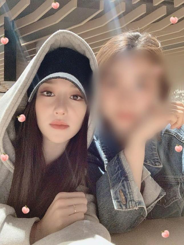 Xuất hiện nhiều bài đăng bênh vực Seo Ye Ji: Netizen hoang mang vì một chi tiết trùng hợp ảnh 2