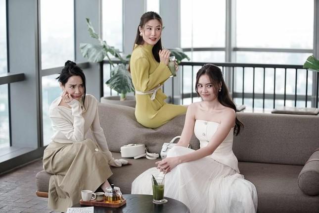 """Lý do nào khiến Nhã Phương bị netizen gọi tên trong drama """"Phim 1990 dời ngày chiếu""""? ảnh 2"""