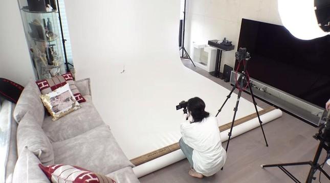 """Lisa vừa khoe nhà riêng đã khiến netizen sốc nặng: """"Chị định đóng phim Penthouse hay gì""""? ảnh 3"""