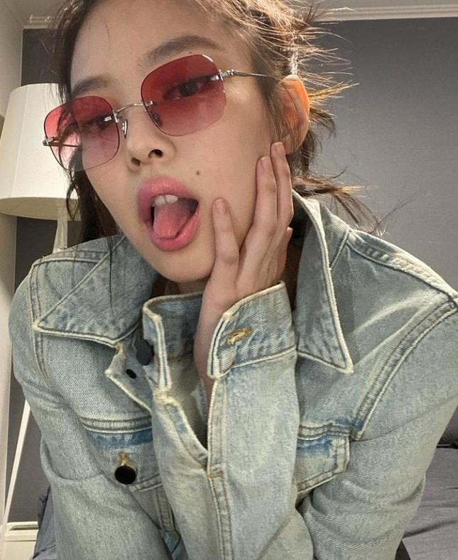 Vì sao netizen Hàn thừa nhận không thể bắt chước một kiểu chụp ảnh quen thuộc của Jennie? ảnh 5