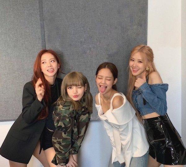 Vì sao netizen Hàn thừa nhận không thể bắt chước một kiểu chụp ảnh quen thuộc của Jennie? ảnh 4