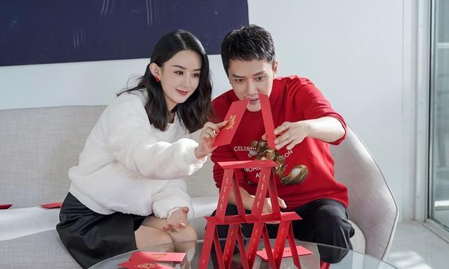 Điều kỳ lạ từ bộ ảnh quảng cáo duy nhất của cặp đôi Phùng Thiệu Phong - Triệu Lệ Dĩnh ảnh 1