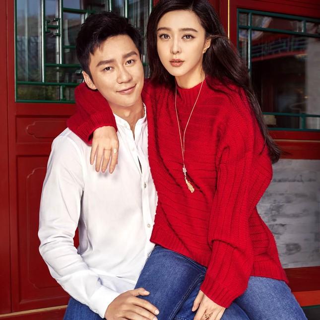 Điều kỳ lạ từ bộ ảnh quảng cáo duy nhất của cặp đôi Phùng Thiệu Phong - Triệu Lệ Dĩnh ảnh 7