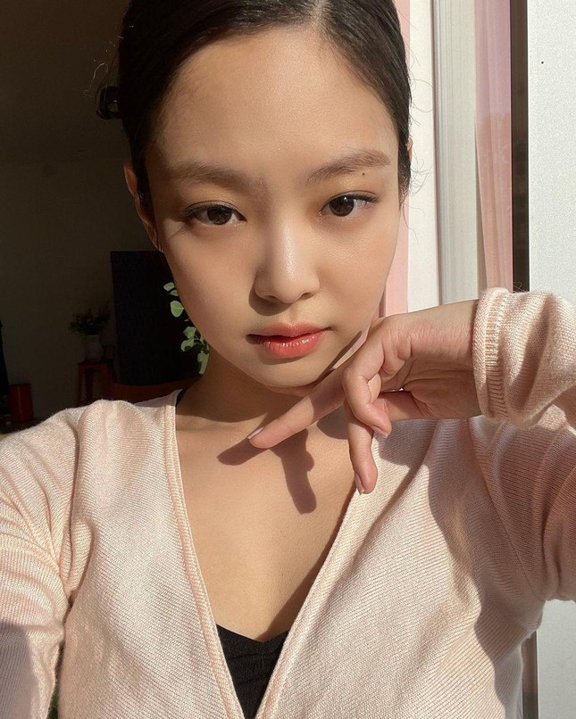 """Giải mã bí quyết đưa Jennie sớm gia nhập hội """"nữ hoàng quảng cáo"""" xứ Hàn cùng IU và Suzy ảnh 4"""