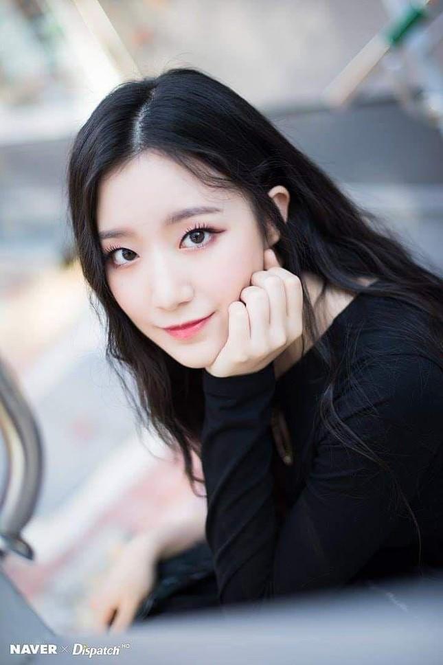 """Top 10 nữ idol có """"nhan sắc tỷ lệ nghịch với tài năng"""": Jisoo (BLACKPINK) cũng bị réo tên ảnh 1"""
