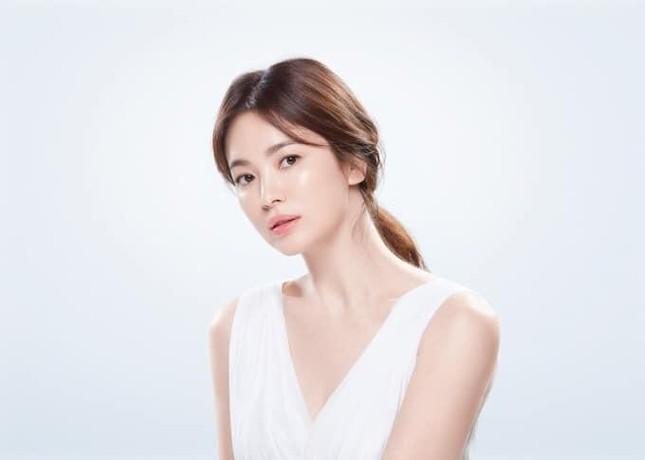 """Song Hye Kyo ngày càng đẹp sau ly hôn, khẳng định """"phụ nữ đẹp nhất khi không thuộc về ai"""" ảnh 1"""