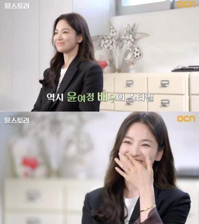 """Song Hye Kyo vướng ồn ào trang phục: Phong cách giản dị hay """"Siêu giàu siêu tiết kiệm""""? ảnh 3"""