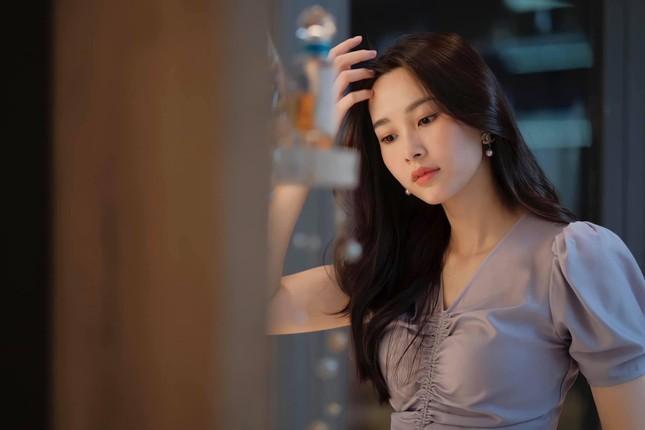 """Hoa hậu Đặng Thu Thảo khoe ảnh do ông xã đại gia chụp: Muốn tìm ảnh """"dìm hàng"""" cũng khó! ảnh 1"""