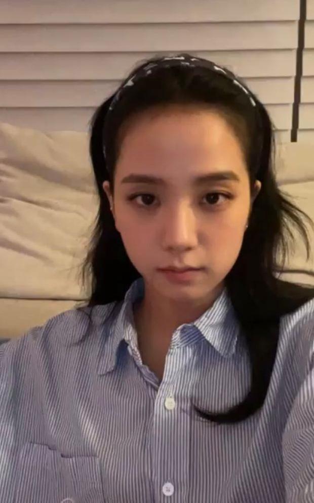 Người ta xinh lên vài phần khi đổi dáng lông mày, riêng Jisoo lại giảm phong độ nhan sắc ảnh 1