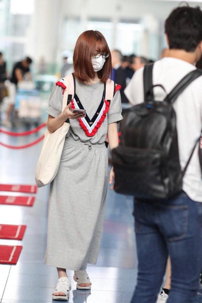 Nhìn style của Sakura trước và sau khi gia nhập IZ*ONE mới thấy stylist xứ Hàn quá giỏi ảnh 3
