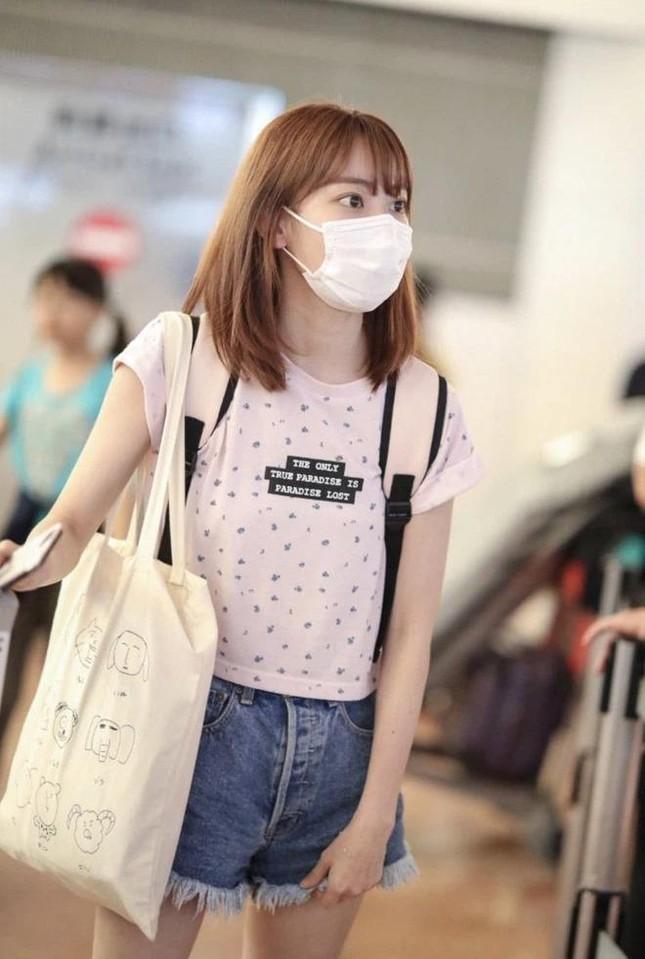 Nhìn style của Sakura trước và sau khi gia nhập IZ*ONE mới thấy stylist xứ Hàn quá giỏi ảnh 2