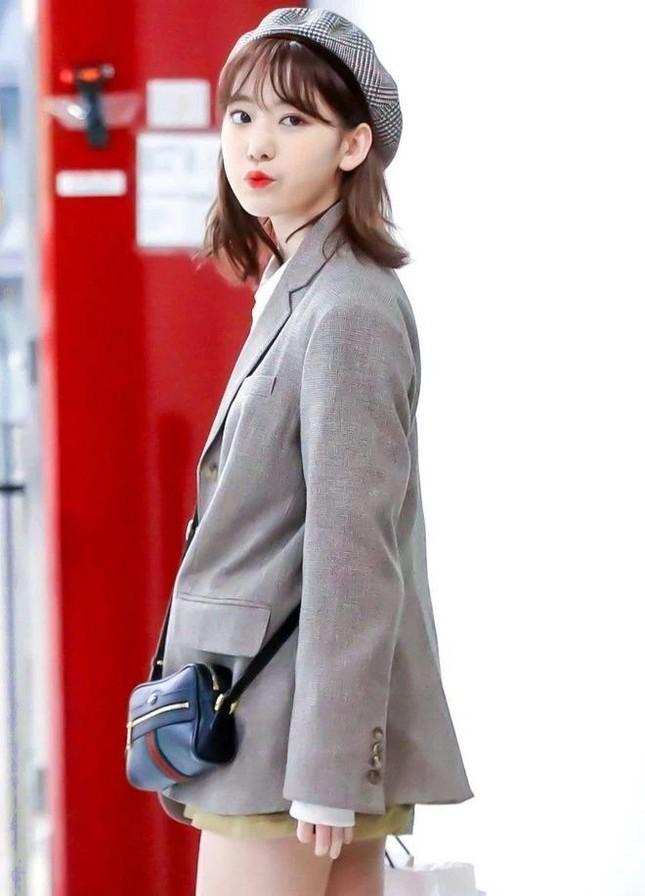 Nhìn style của Sakura trước và sau khi gia nhập IZ*ONE mới thấy stylist xứ Hàn quá giỏi ảnh 8