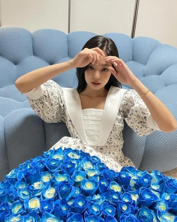 Liên tục bị netizen chỉ trích bắt chước Jennie, Yeri (Red Velvet) có twist đầy ngoạn mục ảnh 2