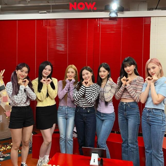 """Hội """"idol chân dài như Thủy thủ Mặt Trăng"""" vừa kết nạp thêm thành viên mới: Yoon (STAYC) ảnh 6"""