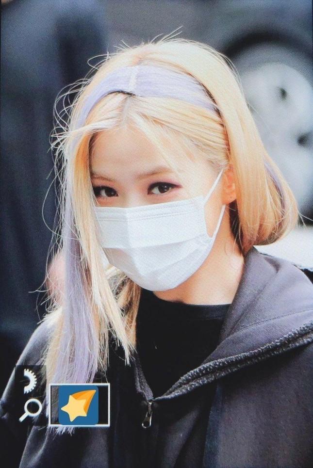 Chưa kịp khen ITZY xinh lên, netizen đã phát cáu khi nhìn đôi mắt Yeji và mái tóc Ryu Jin ảnh 5