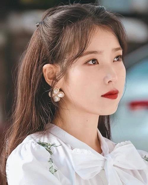 """""""Mái rèm cửa"""" của Jisoo giúp thăng hạng nhan sắc cỡ nào mà idol K-Pop ngày càng chuộng? ảnh 5"""