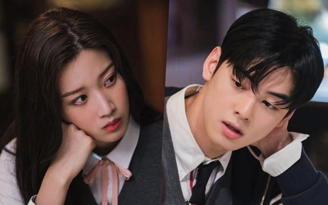 """Những mỹ nam xứ Hàn khiến bạn diễn phải """"dũng cảm"""" lắm mới dám nhận lời đóng cặp cùng ảnh 2"""