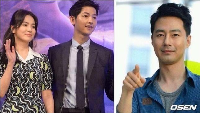 """Hậu ly hôn, quan hệ của Song Hye Kyo và Song Joong Ki với """"ông mai"""" hiện giờ ra sao? ảnh 1"""