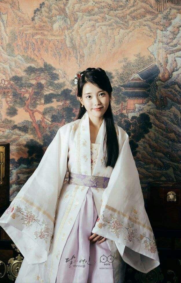 Visual đỉnh cao như IU, Suzy, Yoona mà mặc đồ cổ trang vẫn chưa hút hồn bằng sao trẻ này ảnh 2