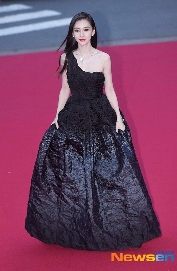 Là đại sứ danh phận cao nhất của Dior nhưng vì sao Jisoo chưa được hưởng đặc quyền này? ảnh 4